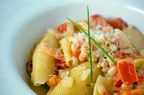 Creamy Shells with Tomatoes and White Beans