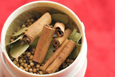 Punjabi-Style Warming Spice Blend (Punjabi Garam Masala)