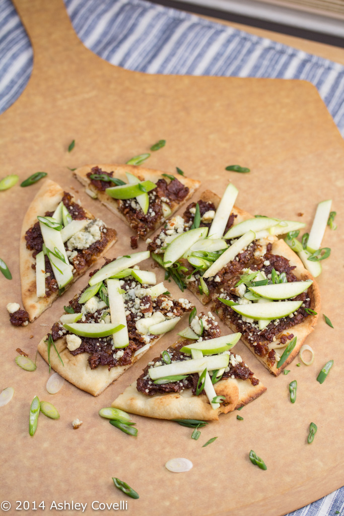 Bacon and Caramelized Onion Jam Naan Pizza with Gorgonzola and Apples