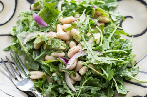 Lemony White Bean-And-Arugula Salad: A simple, elegant, hearty salad that comes together in under 10 minutes!
