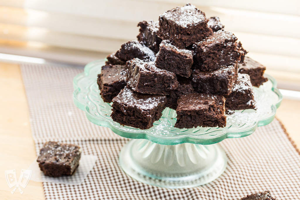 Rich Cocoa Brownie Bites: Bust out your favorite cocoa powder and satisfy your brownie cravings with this super rich, bite-sized chocolate-packed dessert. Plus B Corp basics. #StonyfieldBlogger #ad