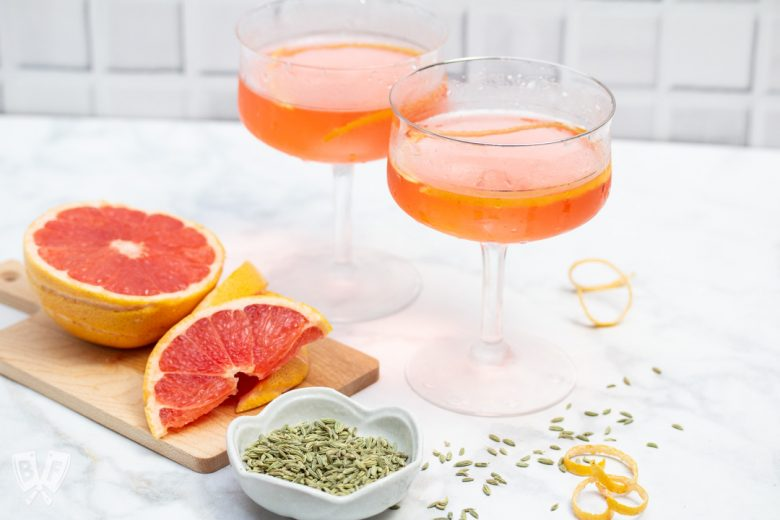 Cocktails with grapefruit and fennel
